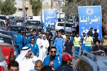 """Sau """"thất bại"""" Doha, ai đã dẫn dắt giá dầu?"""