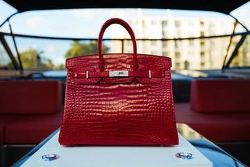 Túi xách Hermes Birkin hơn 6 tỉ đồng