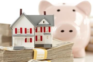Sẽ không trực tiếp siết tín dụng bất động sản?