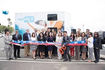 Hai anh em gốc Việt ở Mỹ mở dịch vụ ngủ trưa di động đầu tiên trên thế giới