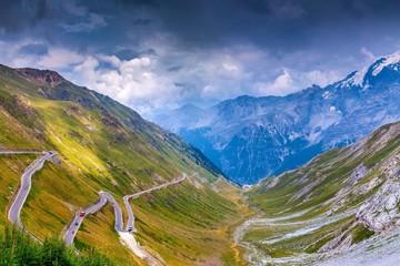 Những con đường đẹp nổi tiếng thế giới