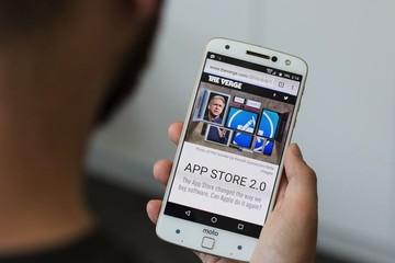 Levono ra mắt dòng điện thoại tùy biến Moto Z