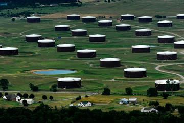 Giá dầu giảm phiên thứ 5 liên tiếp