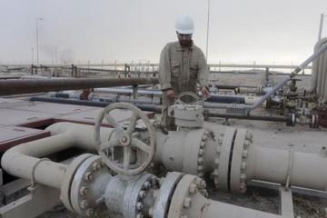 Giá dầu tăng 3% do hoạt động mua cân bằng trạng thái
