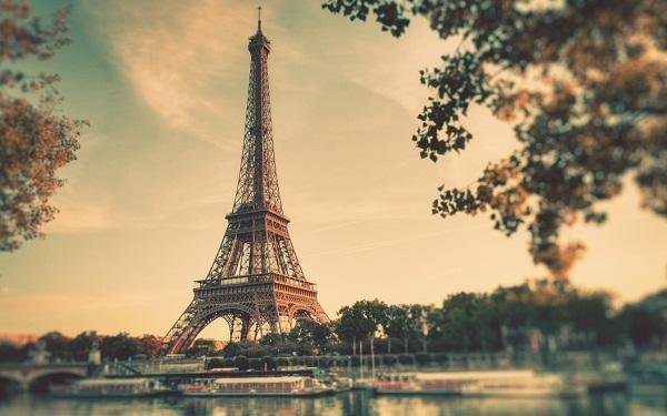 Đồng bảng lao dốc, Pháp chiếm vị trí nền kinh tế thứ 5 thế giới từ Anh