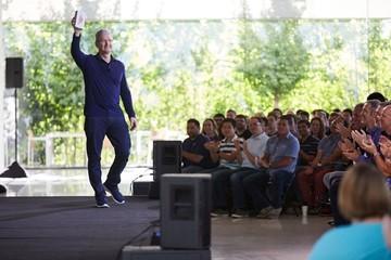 Doanh số iPhone cán mốc 1 tỷ chiếc
