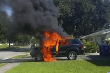 Samsung Galaxy Note 7 phát nổ khiến xe hơi bốc cháy