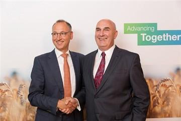 Bayer sáp nhập với Monsanto