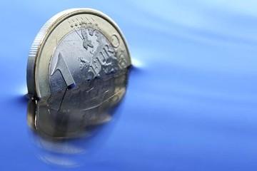 Đức mất đà, tăng trưởng châu Âu chậm nhất trong vòng 20 tháng