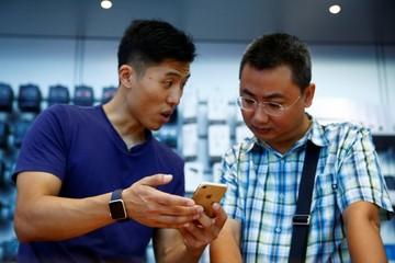 Thêm một công ty Trung Quốc dọa sa thải nhân viên nếu mua iPhone 7