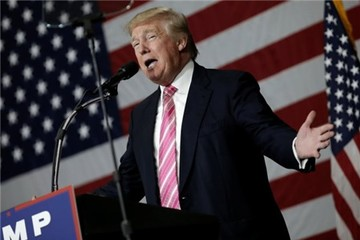 Báo New York Times lật tẩy hồ sơ thuế của Donald Trump