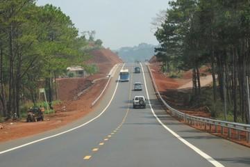 Hơn 11.000 tỷ cho 80km đường Hồ Chí Minh đoạn Huế - Đà Nẵng