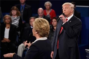 Trump dọa điều tra bà Clinton nếu đắc cử