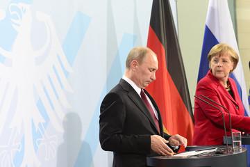 Berlin nêu điều kiện cuộc gặp riêng giữa bà Merkel và ông Putin