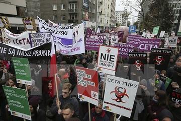 Hàng nghìn người châu Âu phản đối thỏa thuận thương mại EU-Canada