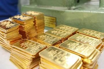 Vàng trong nước đi lên theo giá vàng thế giới