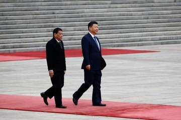 """Tập Cận Bình nói Trung Quốc và Philippines là """"anh em"""""""
