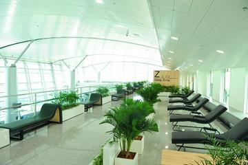 Sân bay Tân Sơn Nhất có ghế ngủ và khu vui chơi trẻ em miễn phí