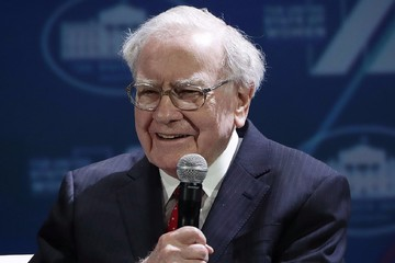 Warren Buffet: giàu có nhờ