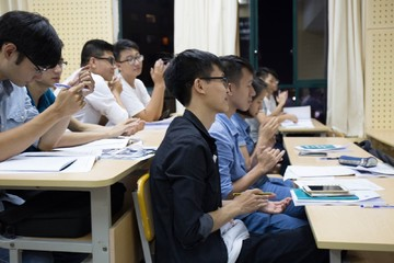 Lớp học tài chính chứng khoán miễn phí cho sinh viên Hà Nội