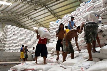 Hạ mục tiêu, xuất khẩu gạo vẫn khó về đích