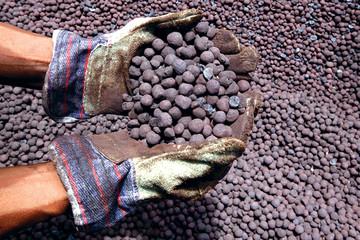 Giá quặng sắt tại Trung Quốc tăng lên mức cao nhất trong gần 3 năm