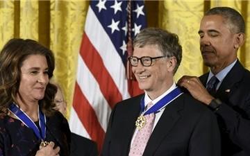 Vợ chồng Bill Gates nhận Huân chương Tự do của Tổng thống Mỹ