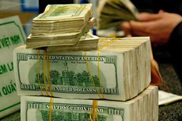 Tỷ giá USD một số ngân hàng lên 22.800 đồng/USD, Vietcombank neo giá thấp