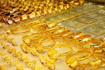 Giá vàng chốt tuần tại mấp mé đáy 9 tháng