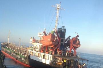 Bắt giữ tàu Thái Lan vận chuyển 2.100 tấn xăng không rõ nguồn gốc