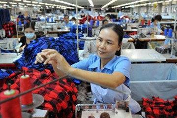 Đề xuất giảm tỷ lệ đóng BHXH: Doanh nghiệp hay người lao động có lợi?