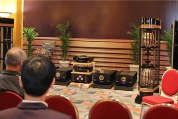 Bộ loa nặng 1,6 tấn giá 12 tỷ tại Hà Nội