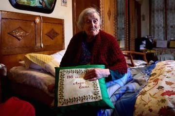 Cụ bà 117 tuổi: Độc thân giúp tôi sống lâu