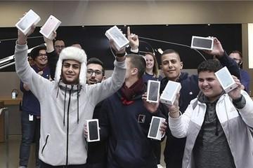 Iphone: Nguy cơ tăng giá lên 42 triệu đồng/chiếc