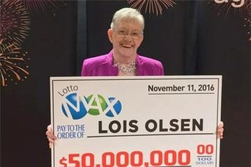 Tình cờ mua xổ số, cụ bà 80 trúng 850 tỷ đồng