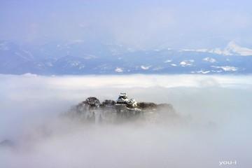 Tòa lâu đài một năm chỉ nhìn thấy 10 lần tại Nhật Bản