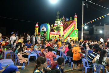 Khởi động chợ đêm Sao Mai – Bình Khánh 5