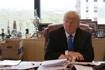 Donald Trump đã bán hết cổ phiếu từ tháng 6