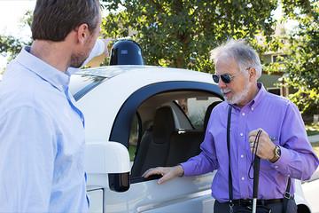 Google bắt tay với Waymo ra mắt mẫu xe tự lái mới