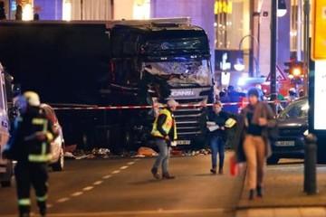 Đức: Xe tải lao vào đám đông ở chợ Giáng sinh, ít nhất 9 người chết