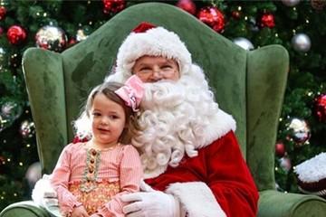 Ông già Noel kiếm được bao nhiêu tiền?
