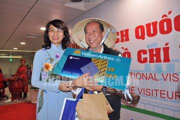 TP HCM đón du khách thứ 5 triệu