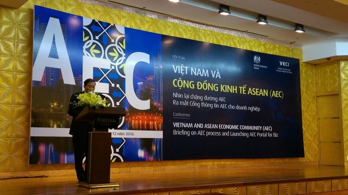 Cộng đồng Kinh tế ASEAN là hiện tại, TPP và EVFTA ở thì tương lai
