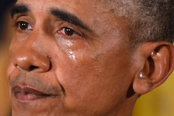 Tổng thống Obama rơi lệ khi chia tay Nhà Trắng