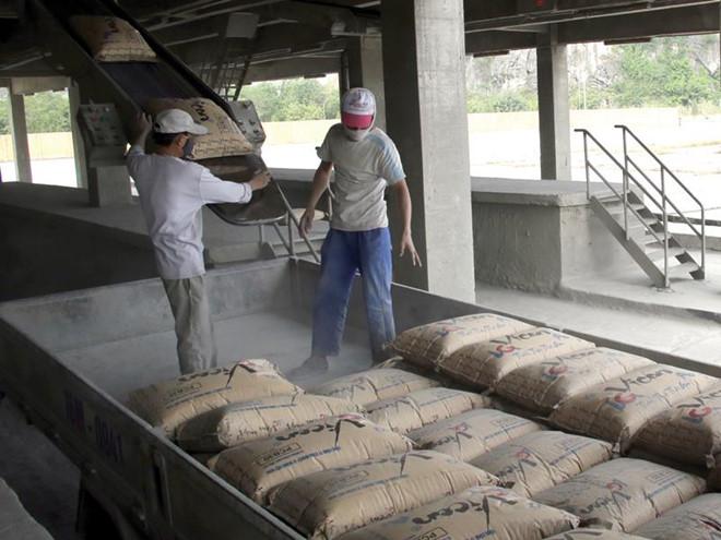 Xi măng dư thừa, xuất khẩu lại gặp khó