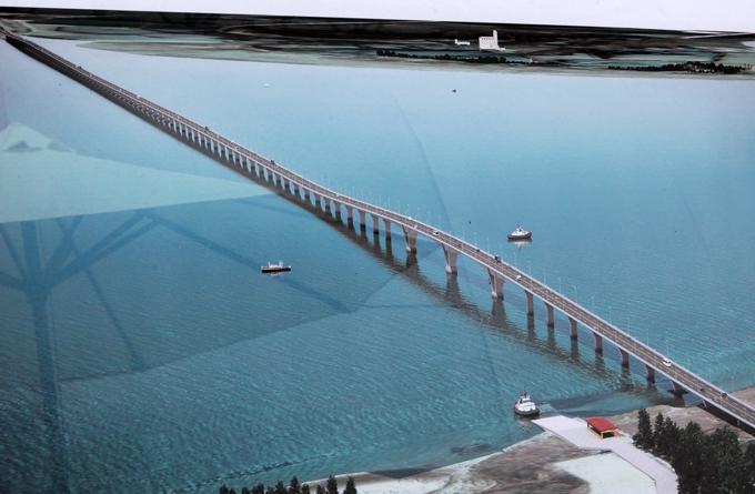 Hợp long cầu vượt biển dài nhất Đông Nam Á