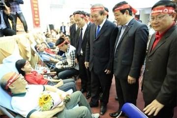 Phó Thủ tướng Trương Hòa Bình kêu gọi người dân tích cực hiến máu