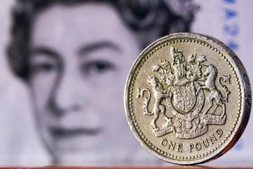 Anh có thể rời thị trường đơn lẻ EU, đồng Bảng Anh xuống đáy 2 tháng