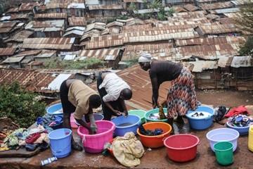 Loại bỏ tiền mặt là ơn huệ với người nghèo