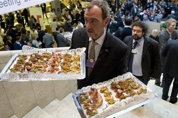 Khách VIP ở Davos được phục vụ thế nào